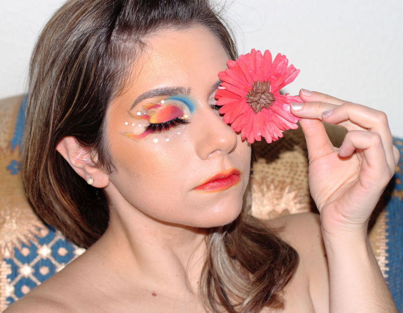 frankiefrancy creative makeup representing the day